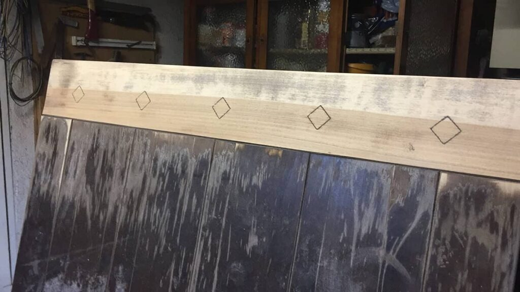 Angeschliffene alte Tischplatte