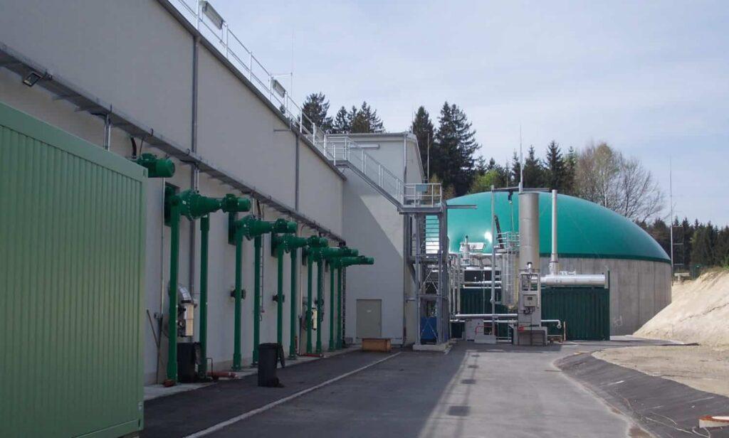 Die Kuppel der Biogasanlage der WGV in Quarzbichl